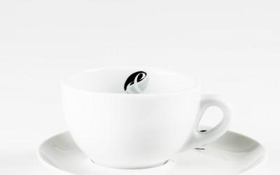 Cappuccinotasse mit Teller
